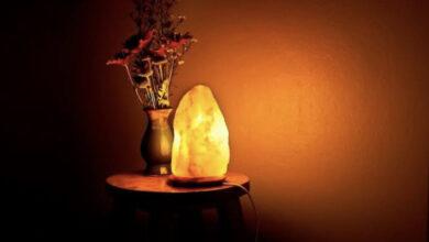 """Photo of تعرف علي فوائد تواجد مصابيح """"الملح الصخري"""" في منزلك"""